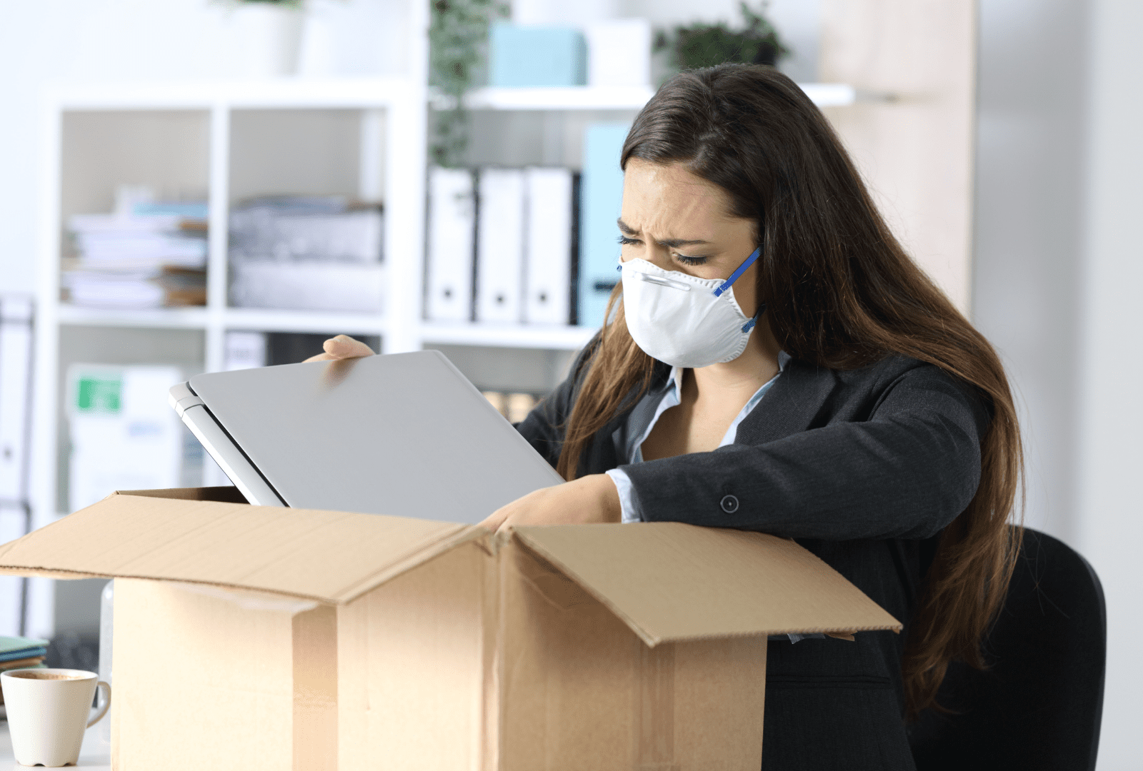 employee packing up office